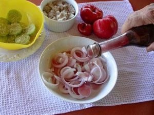 Préparer les oignons au vinaigre