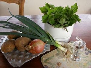 Ingrédients pour soupe d'ortie
