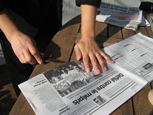 1ère découpe de la feuille de journal
