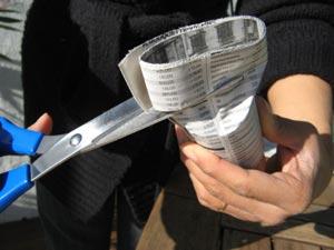 Découper l'excédent de papier