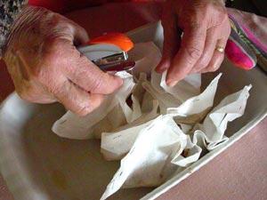 Agrafage et fermeture des papillotes