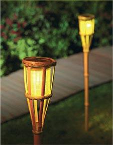 Borne eclairage exterieur solaire conceptions de maison - Borne solaire jardin ...