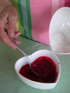 Ajout du sucre dans le coulis