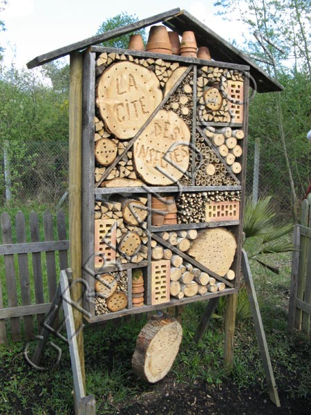 h tel insectes quels int r ts. Black Bedroom Furniture Sets. Home Design Ideas