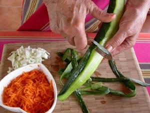 Peler et découper les légumes