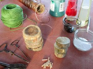 Fabriquez de jolis sujets de Noël avec des rondelles de bois