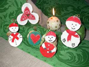 Personnages en bois pour décorer le sapin de Noël