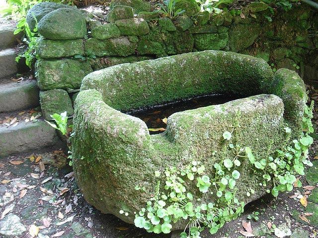 Utilisation de la pierre au jardin - Decoration jardin pierre ...