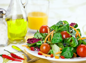 Salade de crudités avec mâche