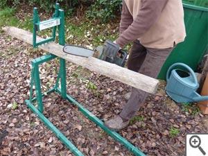Bois support tout for Chevre pour couper le bois