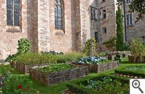 Créez votre jardin de plantes médicinales Jardin-medieval-cahors