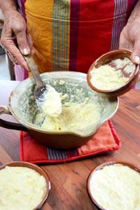 Remplissage des ramequins avant cuisson
