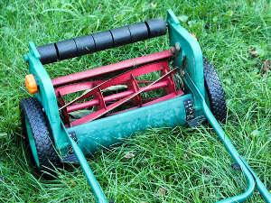 Jardiner sans outils à moteur