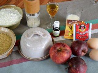 Ingrédients pour le gâteau aux pommes / I.G.