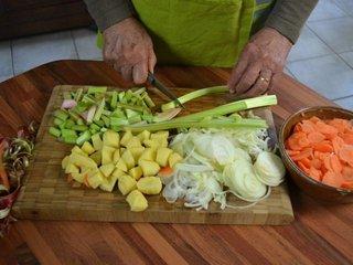 Emincer les légumes / I.G.