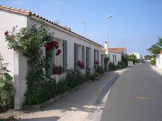 Rue fleurie - Ile de Ré