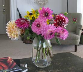 de l 39 art floral avec les fleurs du jardin. Black Bedroom Furniture Sets. Home Design Ideas
