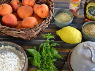 Ingrédients du crumble aux abricots / I.G.