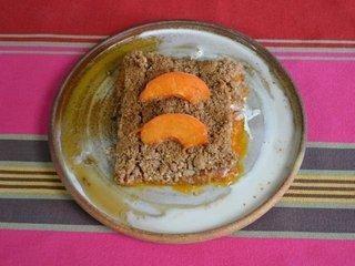 Crumble aux abricots / I.G.