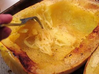 Courge spaghetti cuite au four