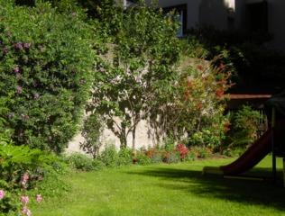 Am nager un jardin en longueur conseils astuces id es - Amenager un petit jardin de 100m2 ...