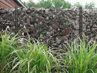 Clôture de jardin en gabions