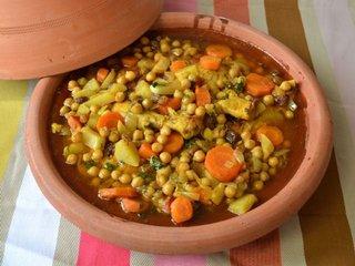 Tajine de poulet aux carottes et aux navets