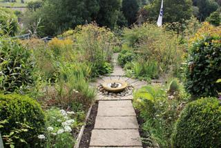 Jardin des simples d'inspiration romantique