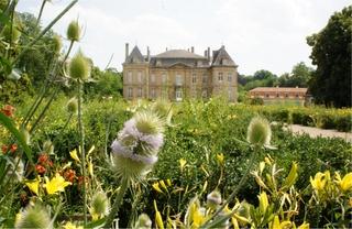 Vue du château de la Grange et du Jardin des Prairiales