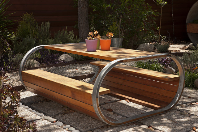 Mobilier de jardin design cr er un jardin contemporain for Meuble jardin design