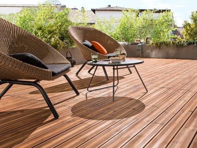 bois et composite des mat riaux astucieux pour sa terrasse. Black Bedroom Furniture Sets. Home Design Ideas
