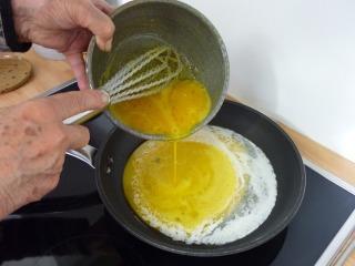 Cuisson de l'omelette / I.G.