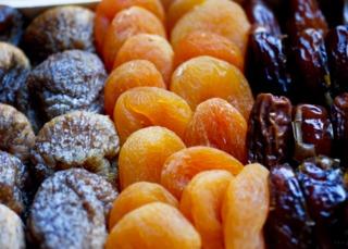 Fruits séchés : figues, abricots, dattes