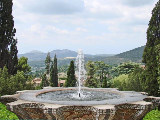 Jardin l 39 italienne ouvert sur le paysage un jardin l for Jardin italien