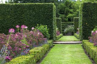 Chambre en charmille dans les jardins du château de Losse
