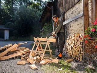 Comment couper le bois de chauffage