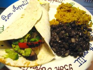 Fajitas (farine de blé), haricots secs, riz