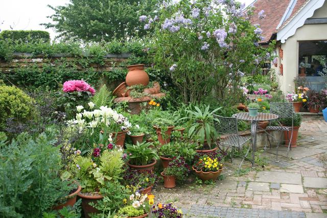 All e bord e de pot es jardins de pots - Pot de jardin exterieur ...