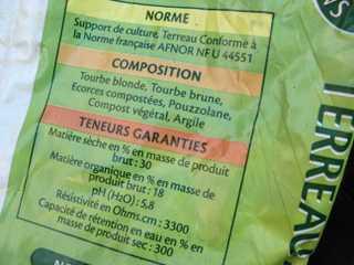 Etiquette de composition sur un sac de terreau