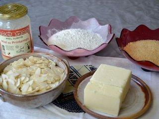 Ingrédients sablés aux amandes et au miel / I.G.