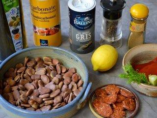 Ingrédients de la salade de fèves / I.G.