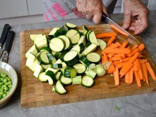 Découpe des légumes nouveaux