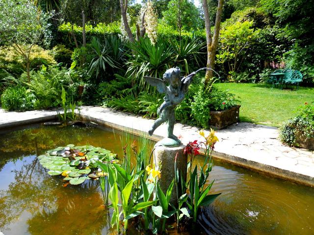 D coration bassin d ornement pour jardin 78 metz for Jardin fabert metz