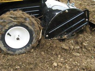Travail du sol au motoculteur