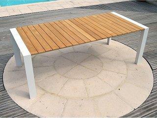 Table d'extérieur aluminium plateau teck
