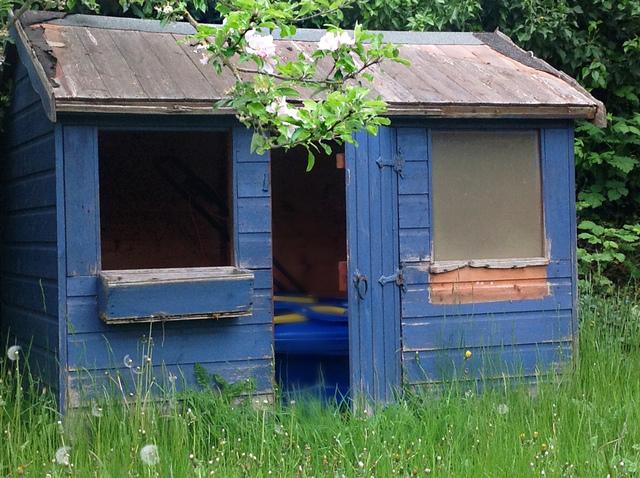Cabane de jardin à rénover