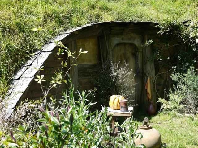 cabane de hobbit cabanes de jardin. Black Bedroom Furniture Sets. Home Design Ideas