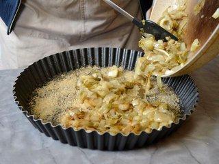 Garnissage du plat avec les endives cuites / I.G.