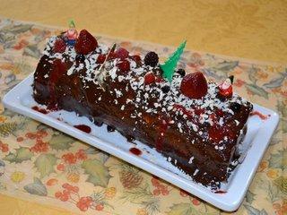 Bûche fruits rouges et ganache chocolat