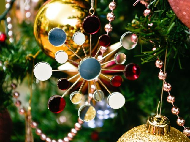 Entre boule et étoile de Noël
